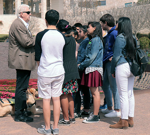 Tom Olzak speaking to students